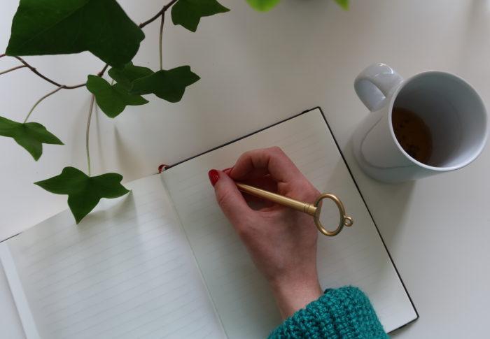Le journal intime : outil magique de guérison et de création