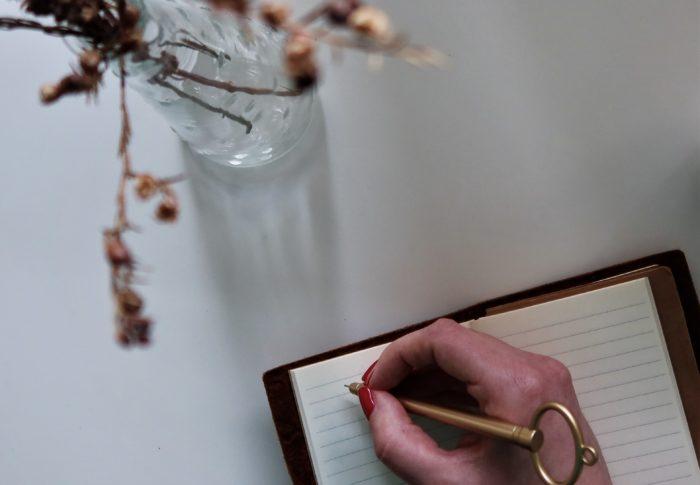 L'écriture automatique, la petite voix au fond de soi qui peut enfin s'exprimer